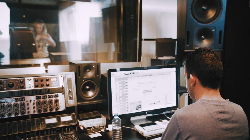 04 Studio Session